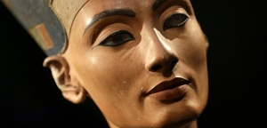The Nefertiti bust is pictured during a press preview of the exhibition 'In The Light Of Amarna' at the Neues Museum in Berlin, Germany, Wednesday, Dec. 5, 2012 due to the 100th anniversay of the discovery of the bust of the Nefertiti. (AP Photo/Michael Sohn, pool)/SOB124/4166426524/POOL PHOTO/1212051749